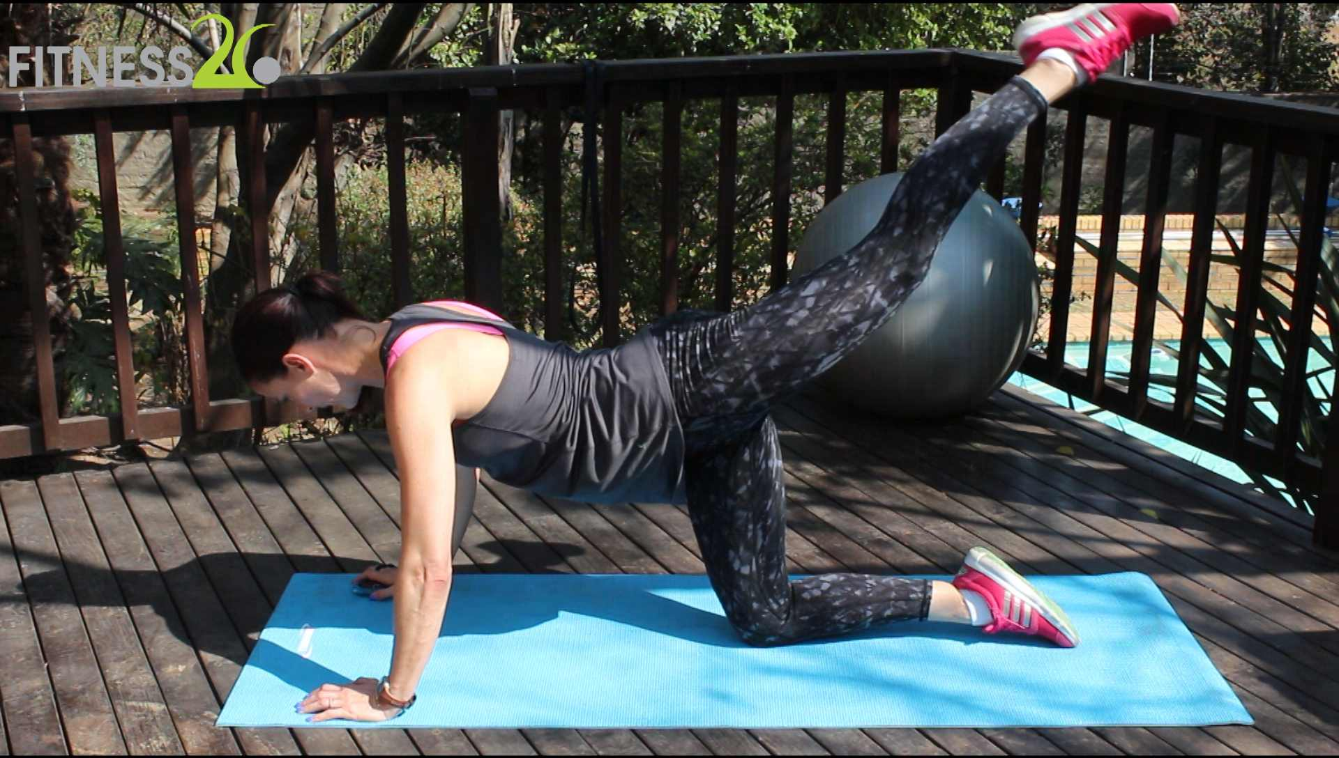Lara – Focusing on the Glutes, Hamstrings and Quads: Beginner to Advanced