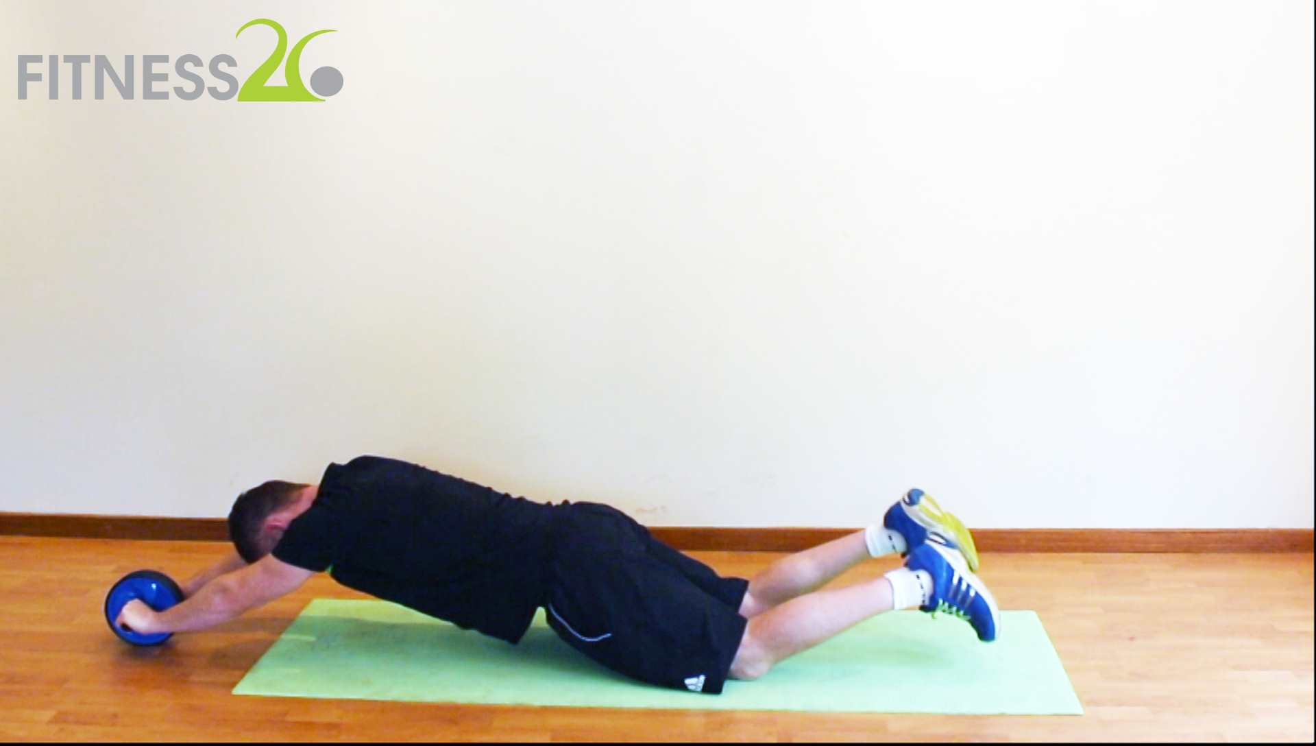 Richard – Abs Workout with Roller for Intermediate Level