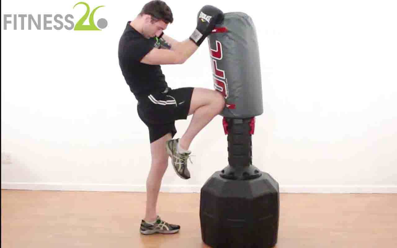 Josh – Muay Thai Technique: Throwing the knee from the front and back leg